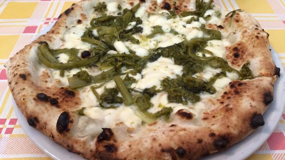 pizzeri bella napoli pizza 3