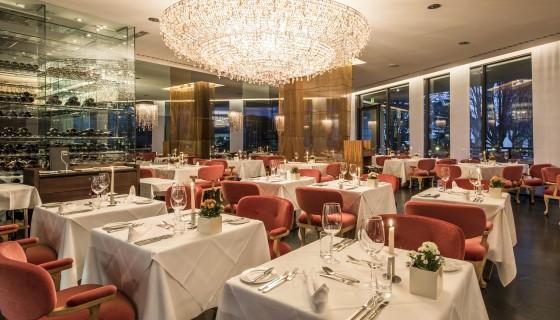 Il ristorante Olivi dell'Hotel Terme Merano si tinge di rosa