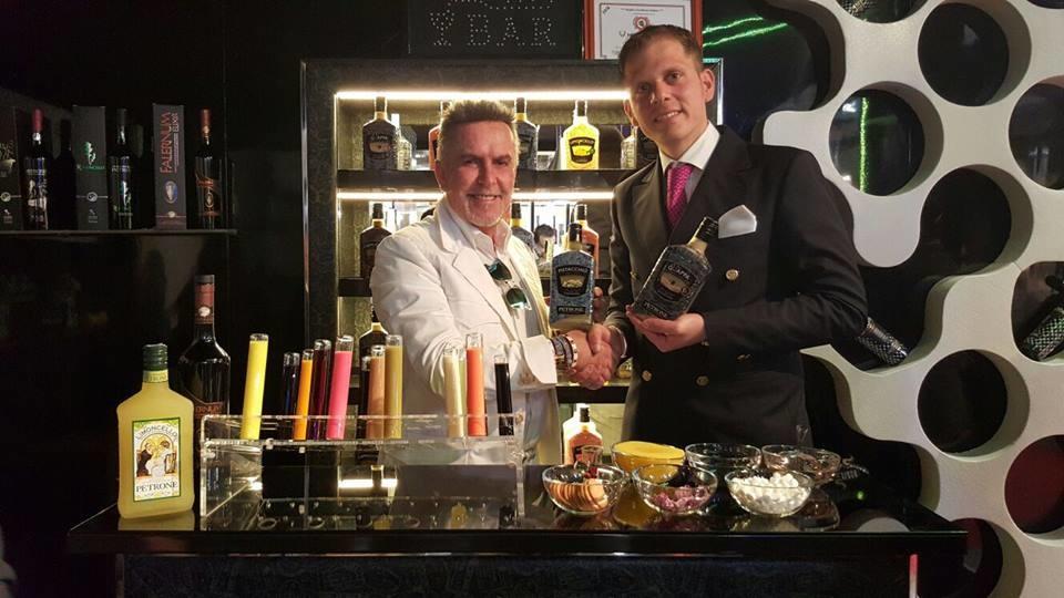 Sapori del Sud: Alviero Martini ospite della Distilleria Petrone