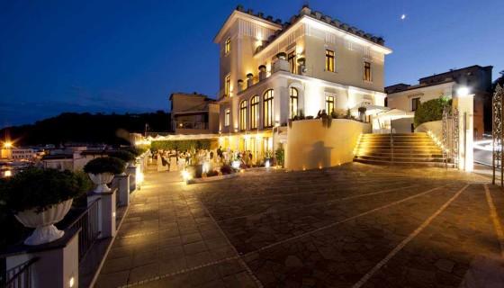 """Il 26 maggio a Villa Sabella di Baia (Na) """"Viaggio nel Mediterraneo"""" con jamón iberico, vini francesi e piatti flegrei"""