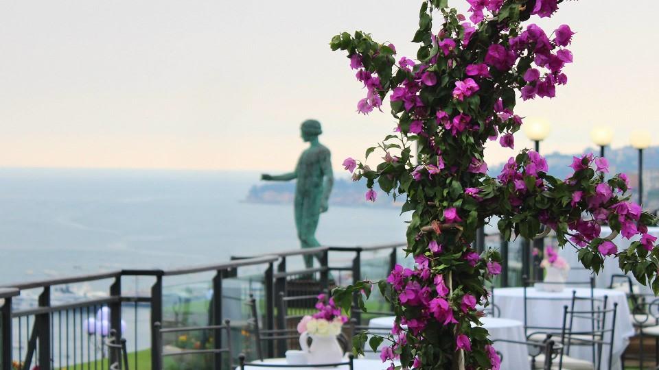 Il rito della prima colazione al Grand Hotel Parker's di Napoli è per tutti