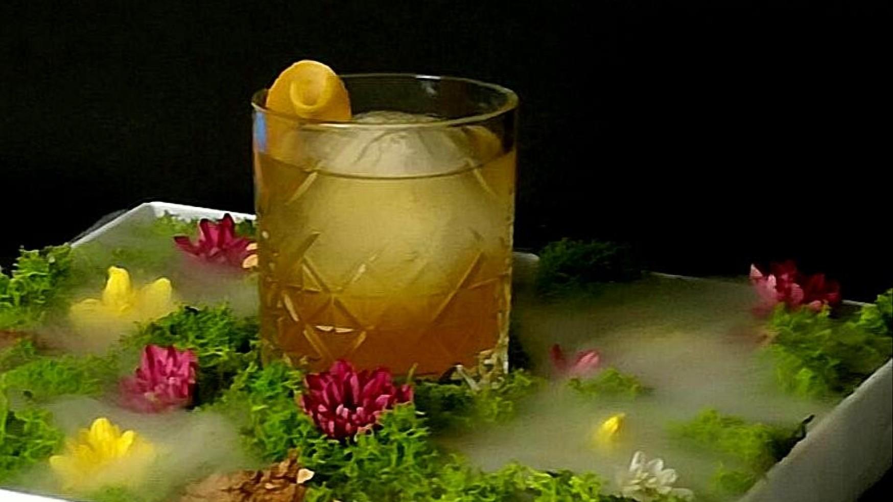 Il Ricciardi: il cocktail dedicato al commissario dei romanzi di Maurizio de Giovanni