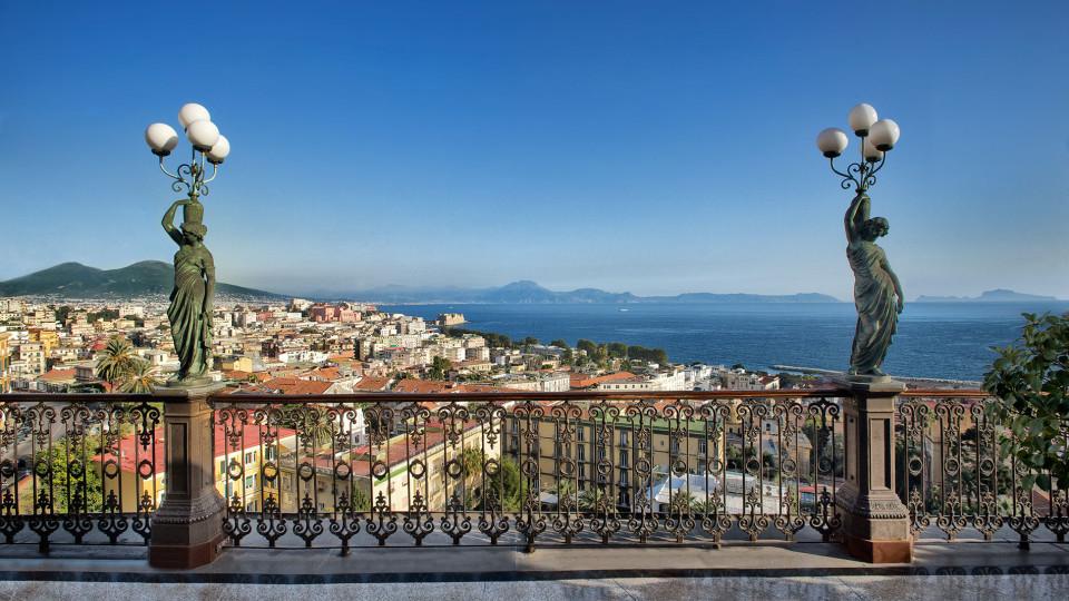 Ferragosto sulla terrazza del Grand Hotel Parker's di Napoli